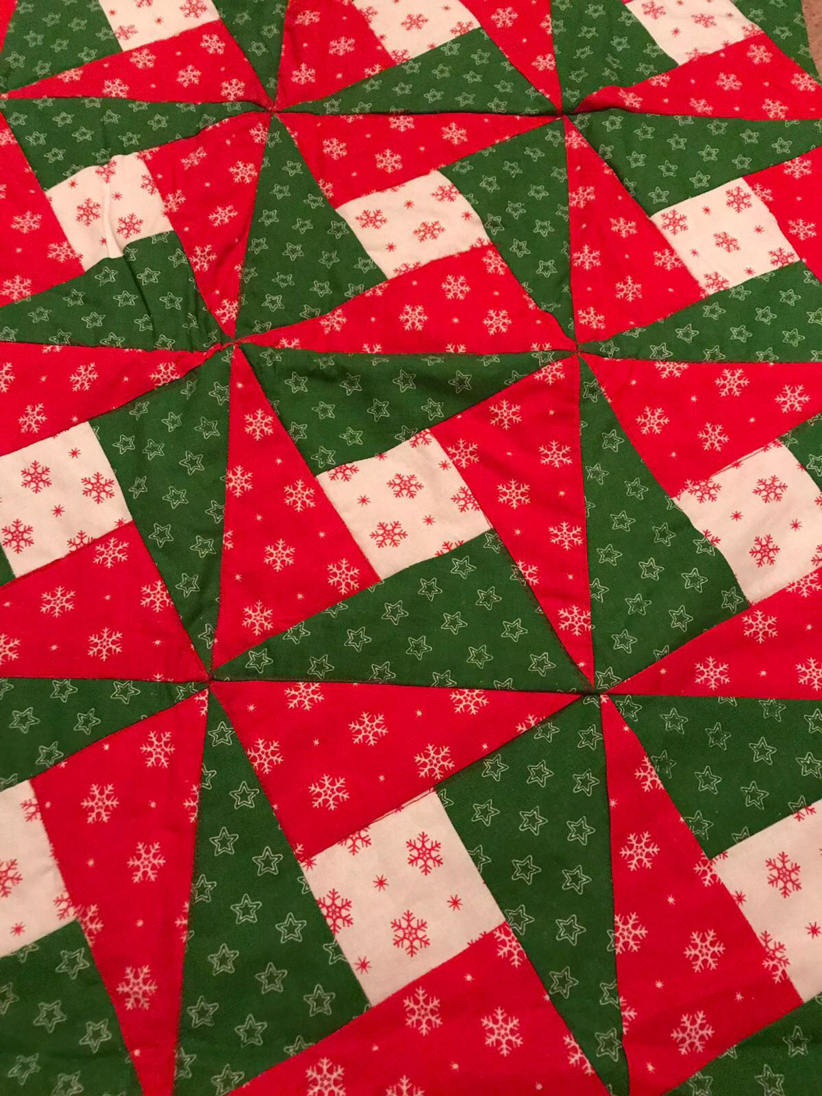 wide-table-runner-xmas-close-up